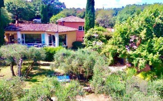 Grasse, St Jean 2 villas avec possibilités de maison d'hote